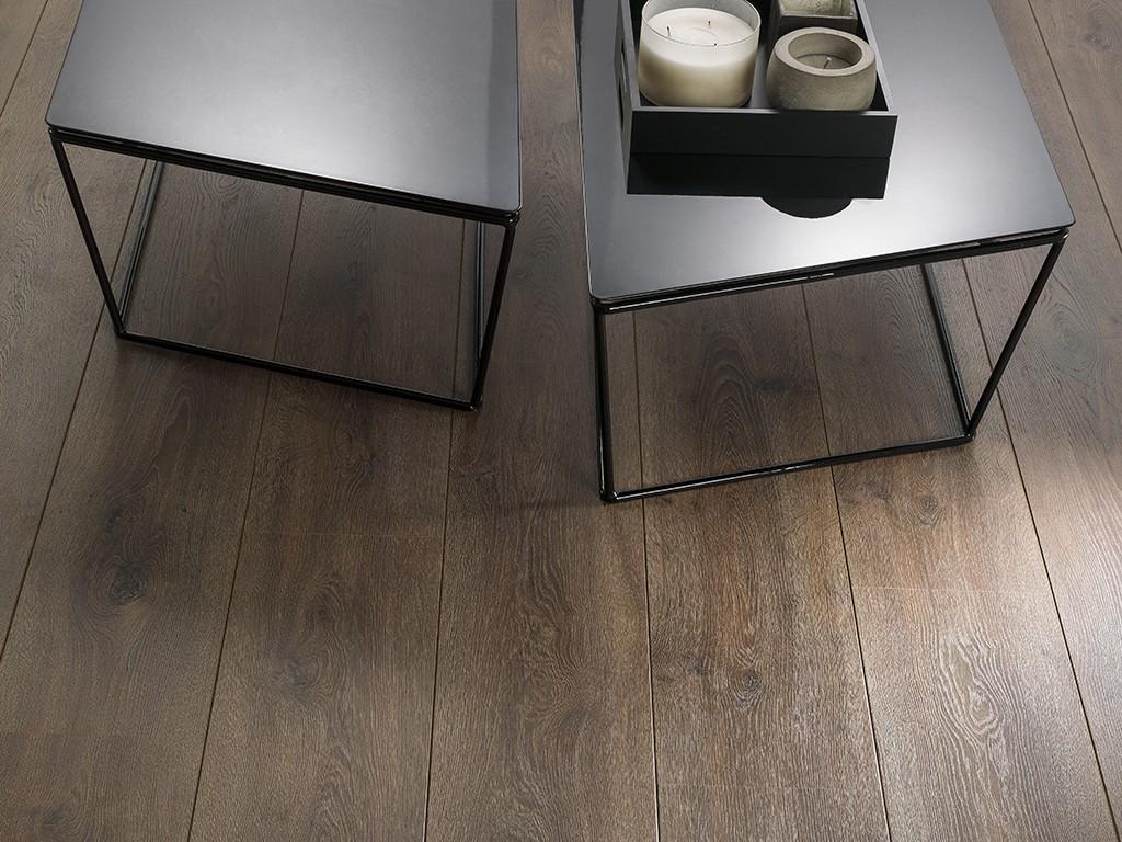 Pavimento: Endless 1L Brooklyn 24,4x126,1x0,8 cm.